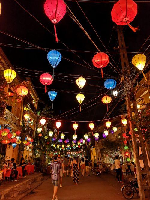 Hoi An - miasto lampionów. Spacer po Hoi An. Hoi An nocą.