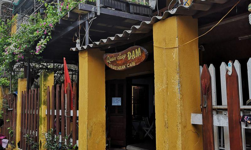 Restauracja wegeteriańska Quan Chay Dam w Hoi An.