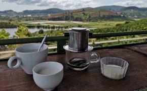 Kawa wietnamska: Ca phe sua - kawa z mlekiem skondensowanym (vietnamese coffee)