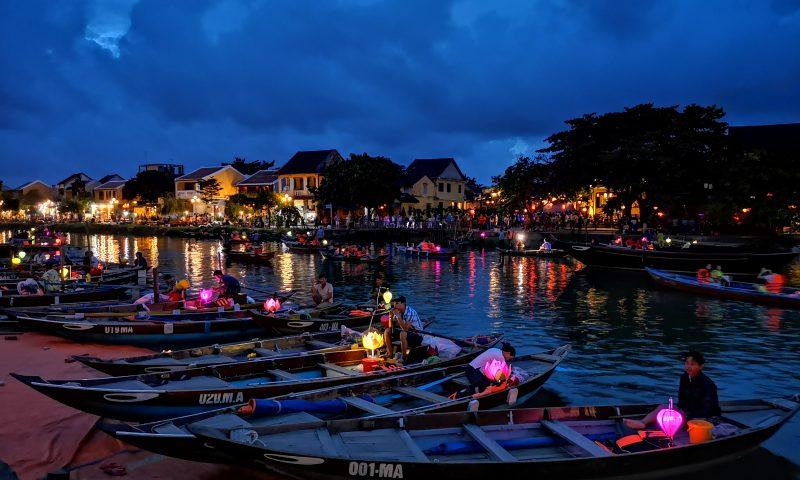 Hoi An nocą, Widok na rzekę Thu Bon