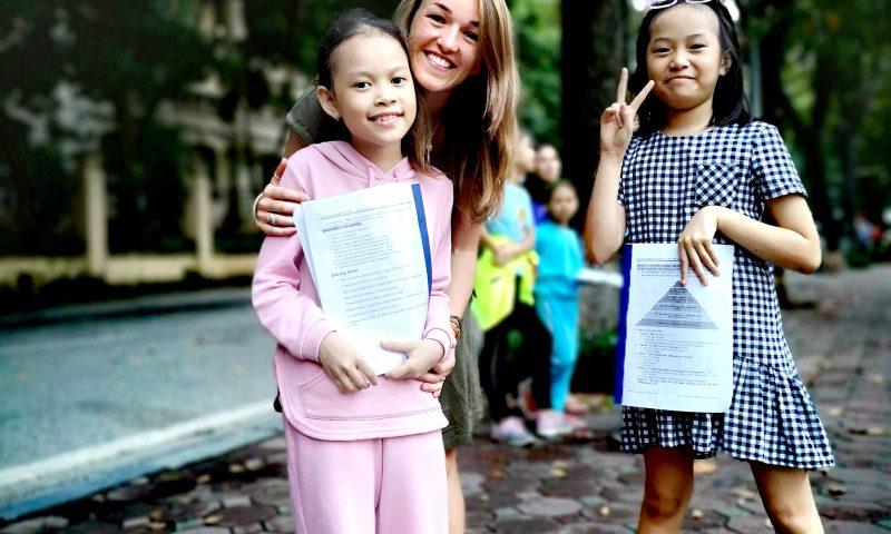 Wolontariat zagraniczny w Hanoi - rozmowa po angielsku z dziećmi.