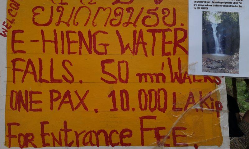 Szyld w Nong Khiaw: Wodospady Nong Khiaw