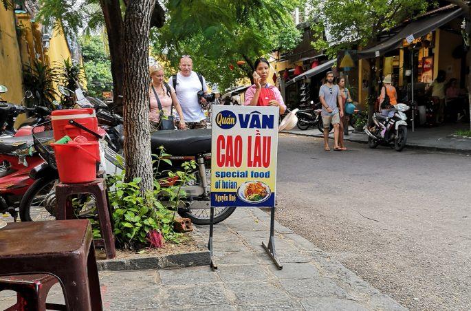 Cao Lau - kulinarny specjał Hoi An.
