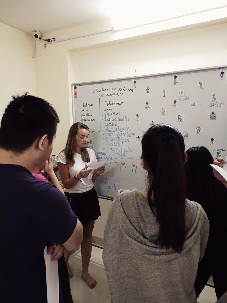 Wolontariat w Wietnamie - zajęcia z niemieckiego. Nauczanie wietnamskich uczniów języka niemieckiego.