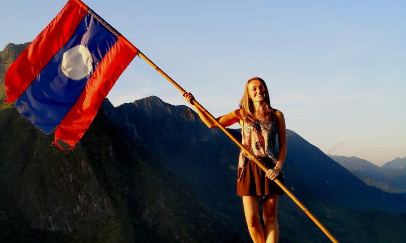 Punkt widokowy Phadeng Peak w Nong Khiaw w Laosie