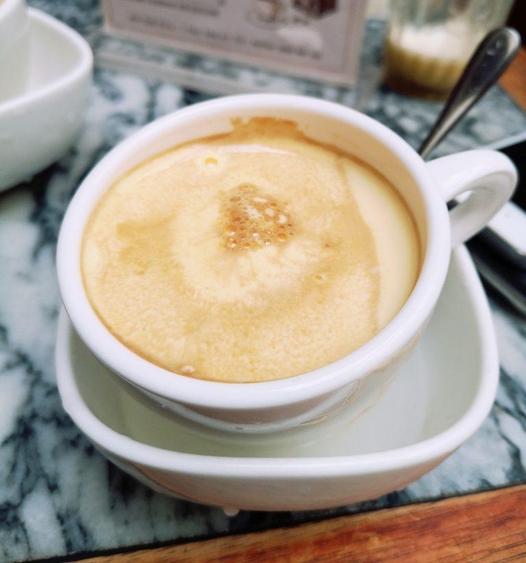 Kawa po wietnamsku: Ca phe trung - kawa z z koglem moglem (eggcoffee)