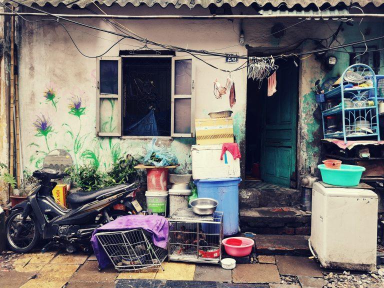 Mniej znane atrakcje Hanoi. Życie codzienne mieszkańców Hanoi. Street art in Hanoi. Murale w Hanoi