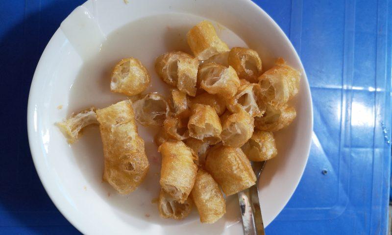 """Atrakcje Hanoi. Kuchnia wietnamska: Chao Suon - """"wietnamska zupa mleczna"""""""