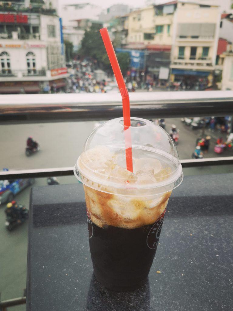 Ca phe den da - kawa czarna z lodem - wietnamska kawa - vietnamese coffee