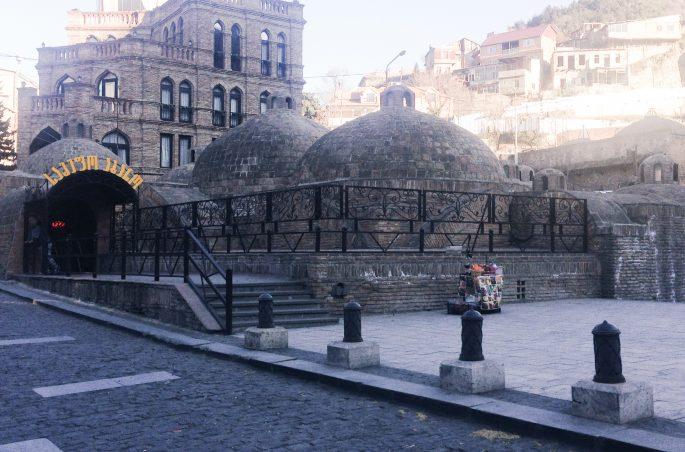 Największe atrakcje Gruzji: Co zobaczyć w Tbilisi? - łaźnie siarkowe w Tbilisi (Gruzja)