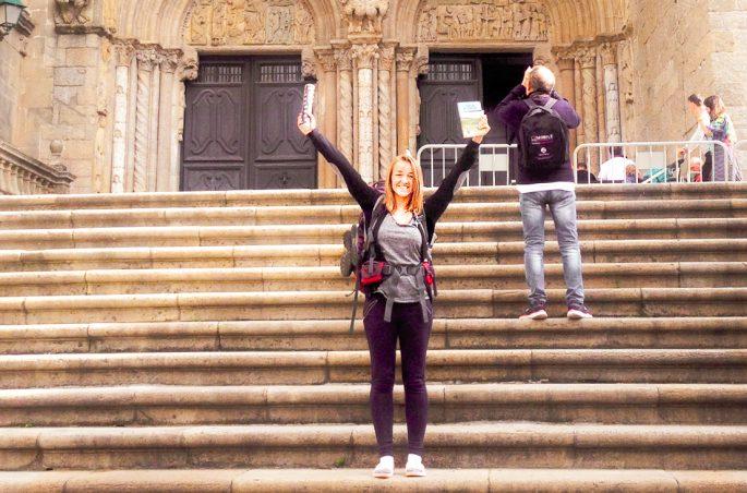 Compostela - certyfikat potwierdzający ukończenie Drogi Camino. Katedra w Santiago de Compostela