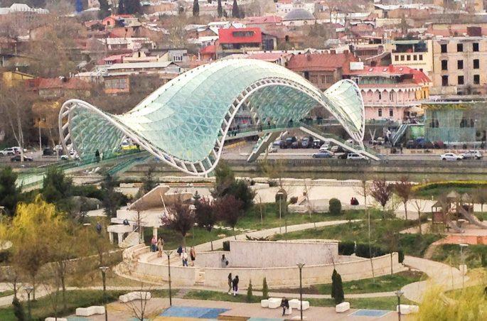 Co zobaczyć w Tbilisi? - Most Pokoju