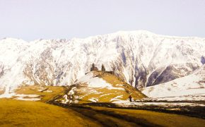 Kazbegi: Klasztor Cminda Sameba
