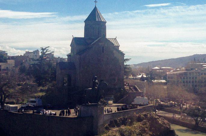 Największe atrakcje Tbilisi - Świątynia Metechi
