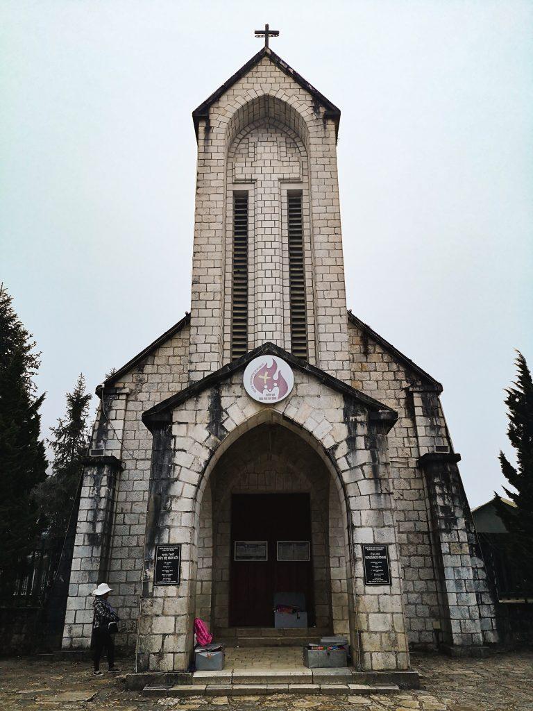 Kościół w Sapie - punkt orientacyjny. Co zobaczyć w Sapie?