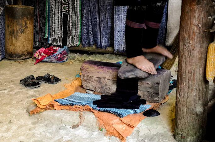 Cat Cat Village na własną rękę - tradycyjny wyrób tkanin