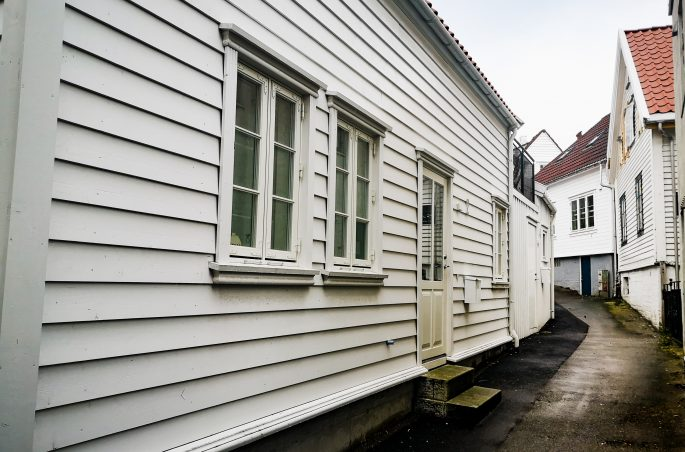 Gamle - dzielnica białych domków w Stavanger. White house in Stavanger