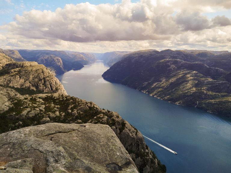 Norweskie fjordy - Lysefjorden - najpiękniejsze krajobrazy Norwegii