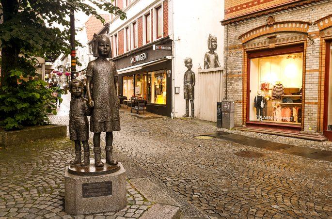 Street art i pomniki w Stavanger w Norwegii. Street art in Norway. Co zobaczyć w Norwegii?