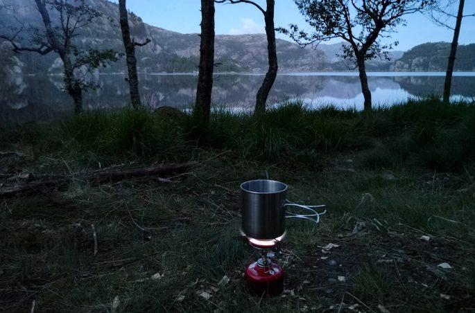 Co spakować pod namiot? Gotowanie na kuchence. Viola and the World
