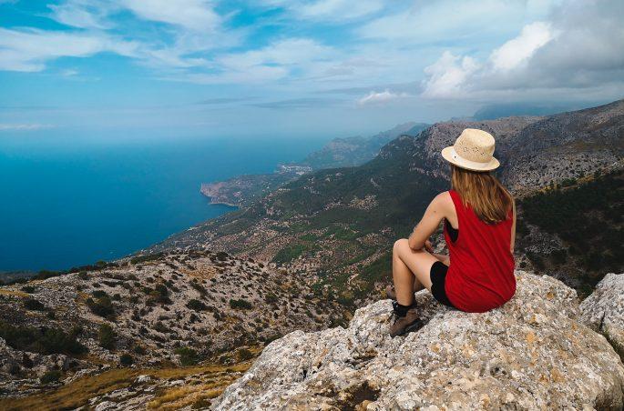 Szczyt Calagori i widok na zachodnie wybrzeże Majorki. Wandern auf Mallorca. Majorka pieszo. Viola and the World - Majorca