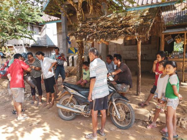 Laotańczycy. Mieszkańcy Laosu. Życie mieszkańców Laosu. People in Lao in village. Village Life