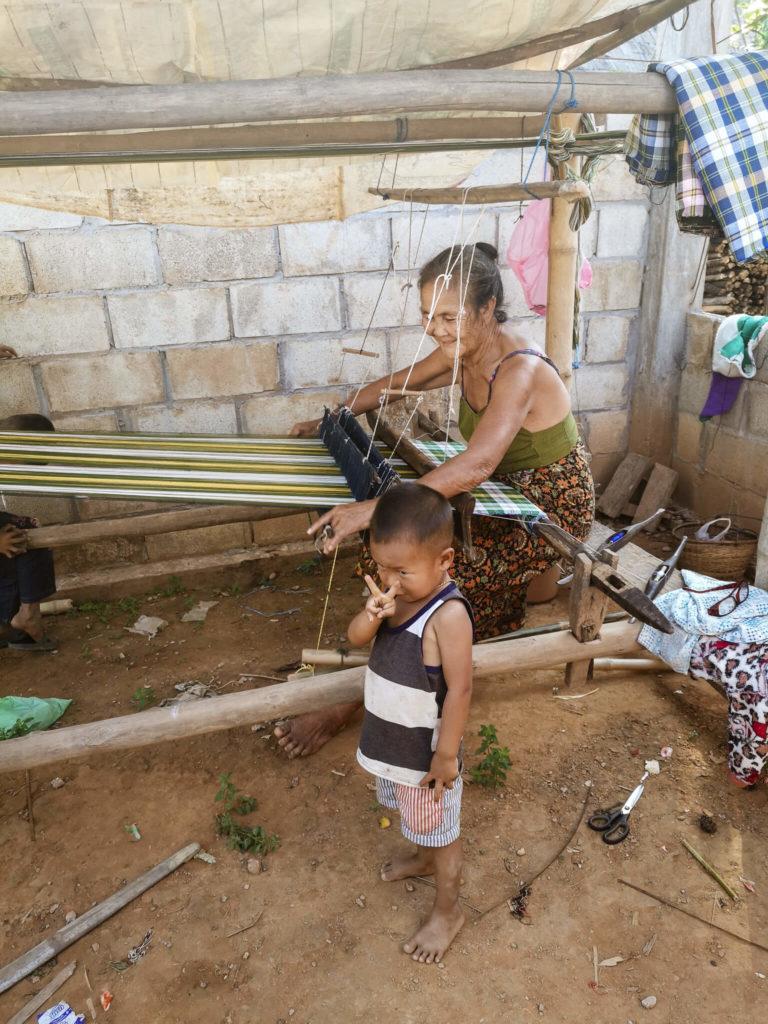 Laos - nieznane wioski Nong Khiaw 2. Co zobaczyć w Laosie? Mieszkańcy Laosu. Największe atrakcje Laosu