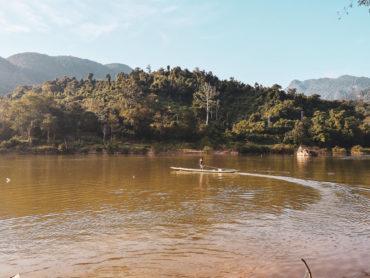 Boat Lao - Nong Khaiw. Transport wodny w Nong Khiaw