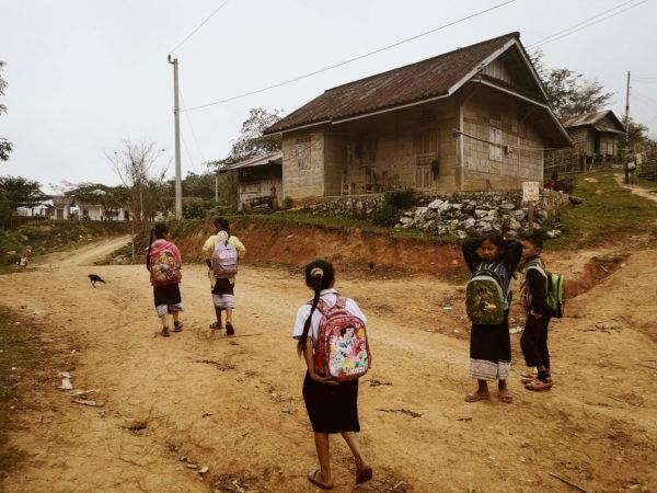 Dzieci Laosu. Mieszkańcy Laosu. Lao people. Lao children. Wioska Nong Khiaw