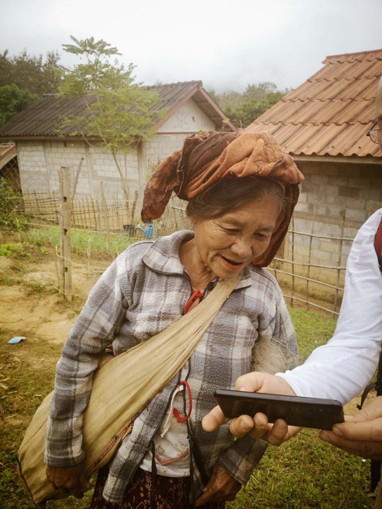 Lao people. Lao women. Mieszkańcy Laosu. Co zobaczyć w Laosie. Nong Khiaw