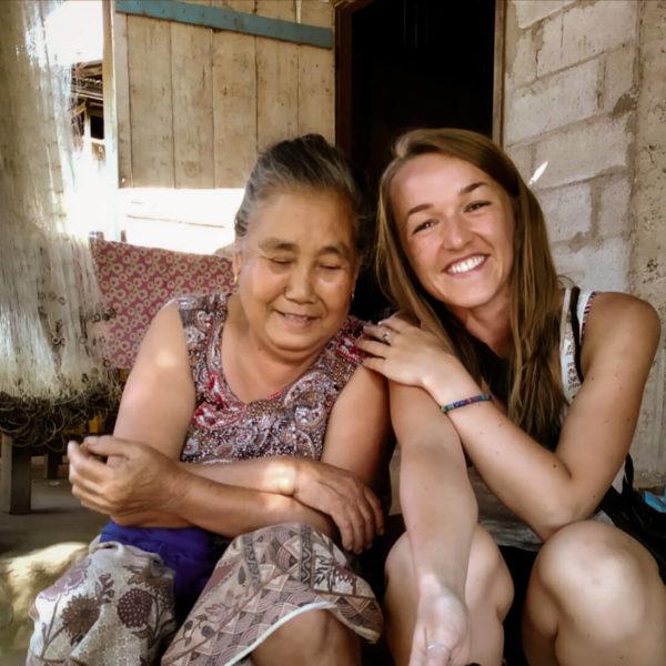Wizyta w wiosce w okolicach Nong Khiaw. Z mieszkaną Laosu. Viola and the World