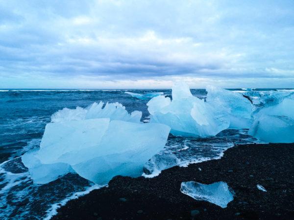 Diamentowa plaża na Islandii. Diamond Beach Iceland. Zimowe atrakcje na Islandii