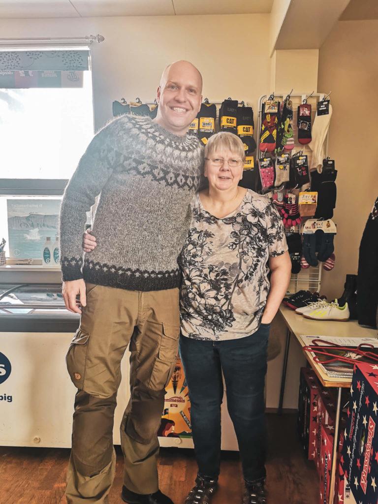 Tradycyjne islandzkie swetry - lopapeysa. Najlepsze pamiątki z Islandii. Gdzie kupić tradycyjne swetry Islandzkie?