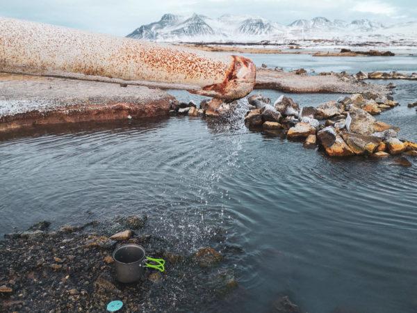 Najlepsze źródła na Islandii - gorące źródło Landbrotalaug. Gdzie kąpać się na Islandii?