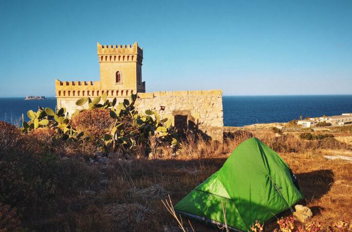 Gdzie pod namiot na Malcie?