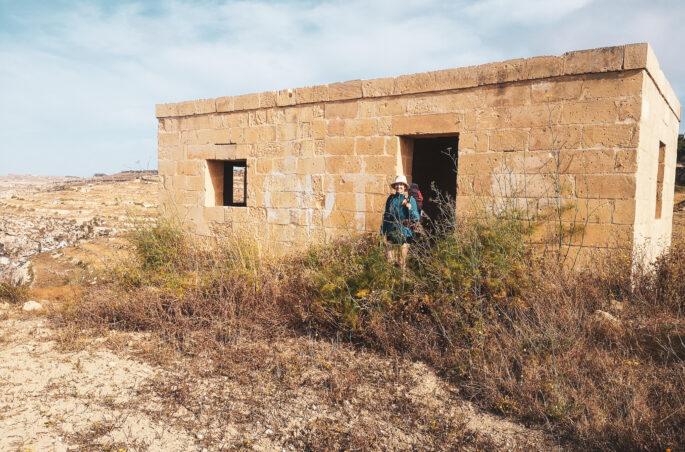 Xlendi - spanie pod namiotem na Malcie i Gozo